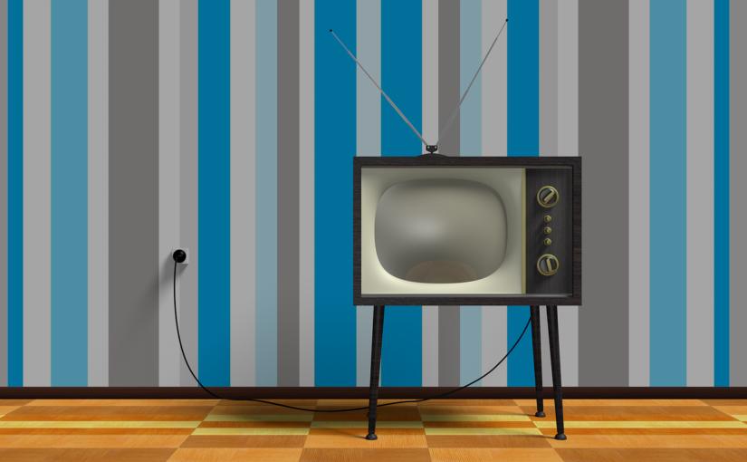 Samotny relaks przed telewizorem, lub niedzielne serialowe popołudnie, umila nam czas wolny ,a także pozwala się zrelaksować.